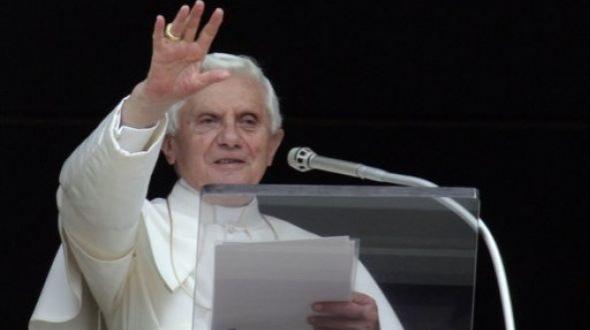 El Papa promulgó decreto para adelantar el cónclave de sucesión