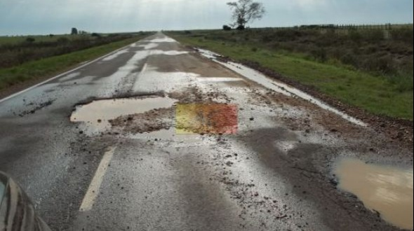 El ministro de obras públicas dijo que los baches en ruta 129 son menores