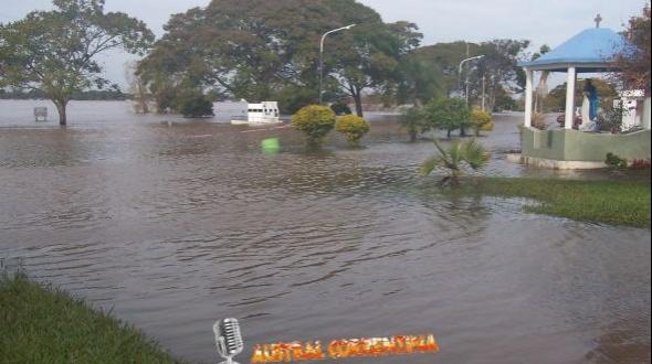 El río Uruguay comienza a bajar