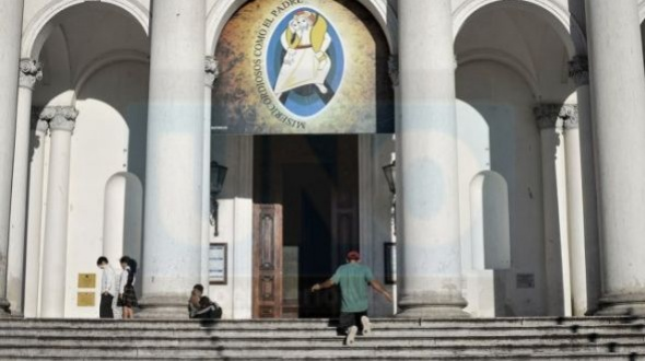 Familiares de menores abusados por Escobar Gaviria demandarán ahora al Arzobispado de Paraná