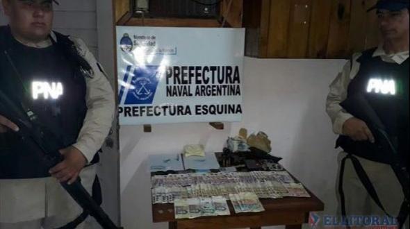 Esquina: en allanamiento a un hotel, detienen a un policía que tenía cocaína