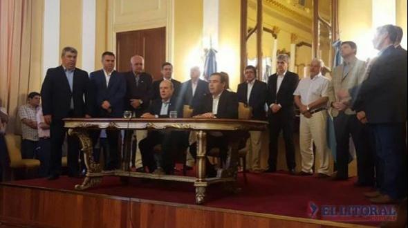 Sin sorpresas y con pocos cambios, Gustavo Valdés anunció a sus 12 ministros