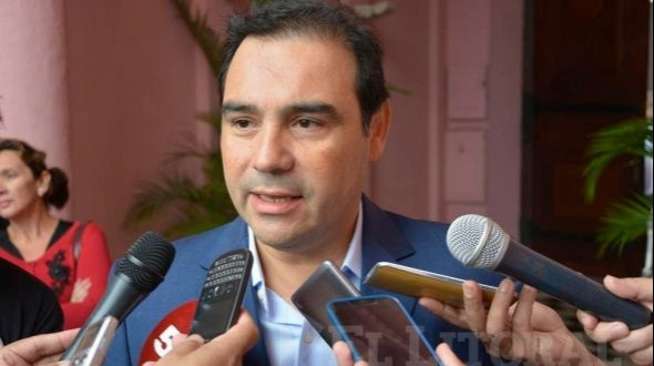 Valdés dijo que para afrontar el panorama económico hay que controlar el gasto corriente