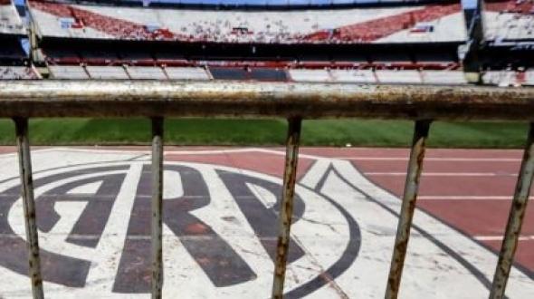 La Conmebol anunció que la Superfinal entre River y Boca se postergó