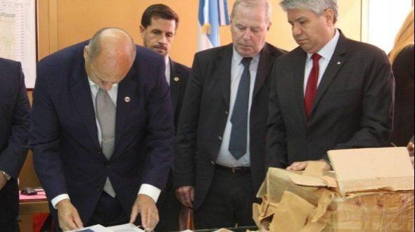 Los consorcios precalificados ahora presentaron su propuesta económica para la ampliación de Yacyretá