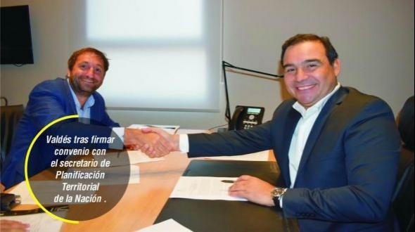 En Buenos Aires, Valdés cumplió el segundo día de gestiones de obras