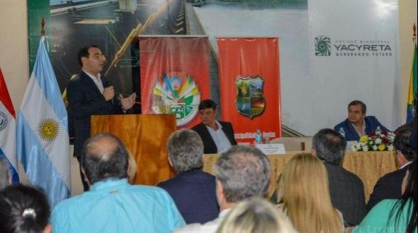 Valdés anunció el puerto de Ituzaingó y se prevén nuevos acuerdos con Paraguay