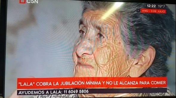 Jubilada de Monte Caseros que vive en Buenos Aires no come para pagar la luz