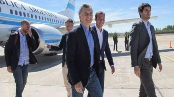 Macri en Corrientes: El Presidente ya arribó a Loreto junto a Valdés