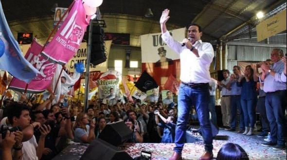 """Euforia peronista por candidatura de CFK; """"es cosa del kirchnerismo"""", minimizó Valdés"""