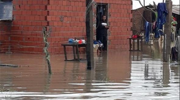 En Itatí llovieron 200 milímetros y evacuaron a siete familias rurales