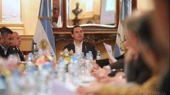 Valdés reunió a su gabinete para balances internos y puso eje en el comercio exterior