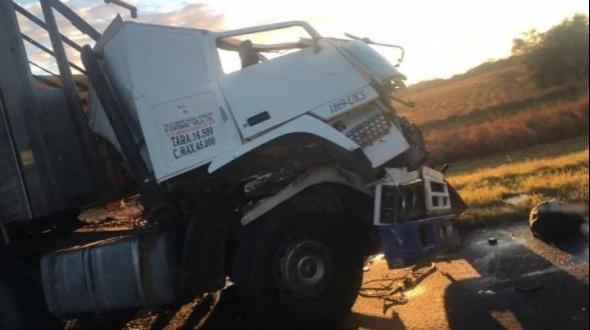 Accidente en ruta 12: El camión se habría cruzado de carril