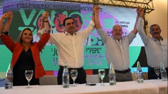 """Valdés presentó a sus precandidatos: """"Los correntinos no queremos volver al pasado"""""""