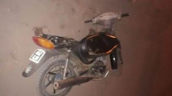 Dos motociclistas muertos luego de despistar y caer de sus vehículos