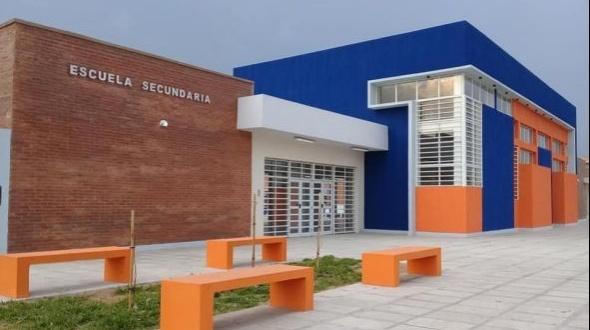El nuevo edificio de la escuela secundaria en imágenes