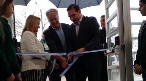 Valdés inauguró el edificio de la escuela Ernesto Sábato
