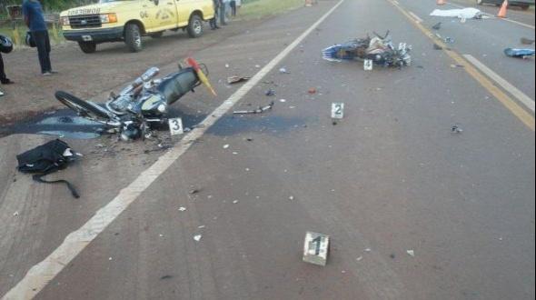 Un hombre murió tras el choque entre dos motocicletas