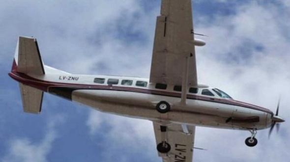 Avión aterrizó de emergencia porque una niña se desangraba: Venía de Corrientes