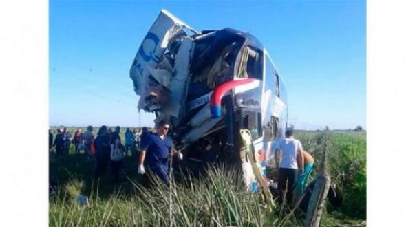 Chocaron un camión y un colectivo en Ruta 14: Hay cuatro víctimas fatales