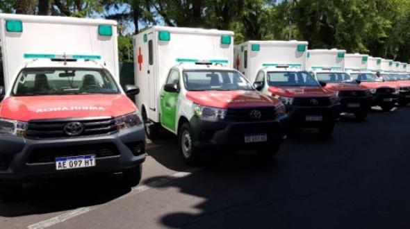 El gobernador Valdés entregó ambulancias: Una será para Monte Caseros