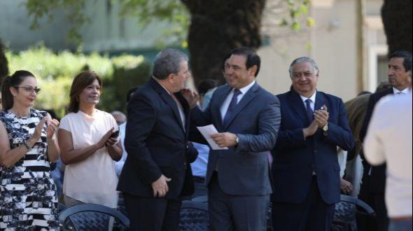Con anuncios de obras y firma de convenios Valdés encabezó los festejos por los 157 años de Alvear