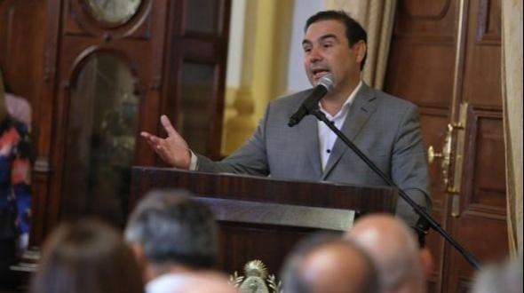 Gustavo Valdés comunicó que no habrá actividad escolar desde este lunes