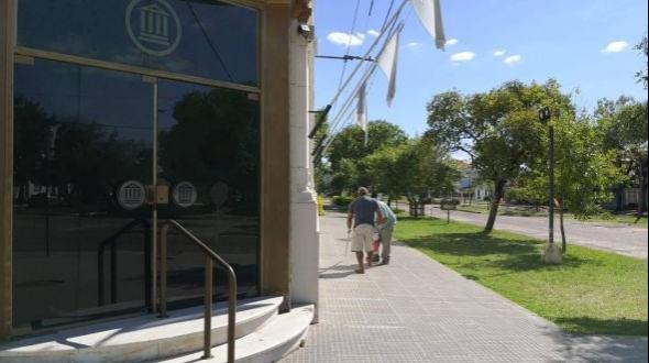 La Municipalidad montará un operativo en los Bancos para brindar comodidad a los ciudadanos