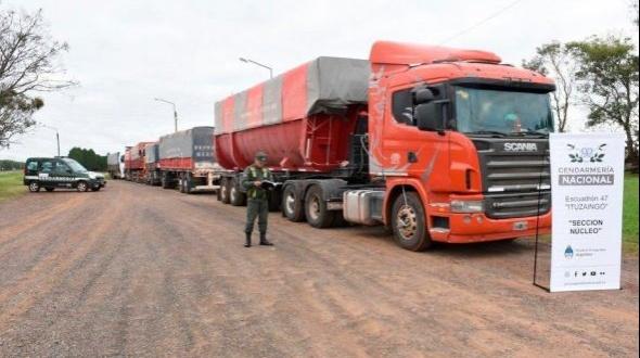 Trasladaban de manera ilegal 189 toneladas de soja en siete camiones