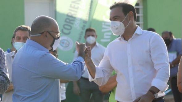 Valdés entregó viviendas y firmó convenio por 10 unidades más