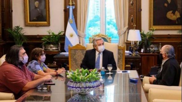 Paritaria docente: el Gobierno y los gremios acordaron un aumento de 32% en tres cuotas