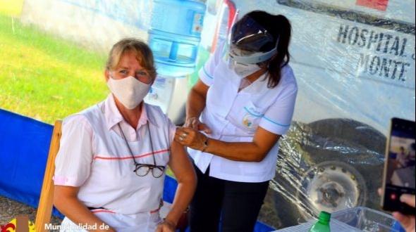 Comenzó la vacunación a docentes