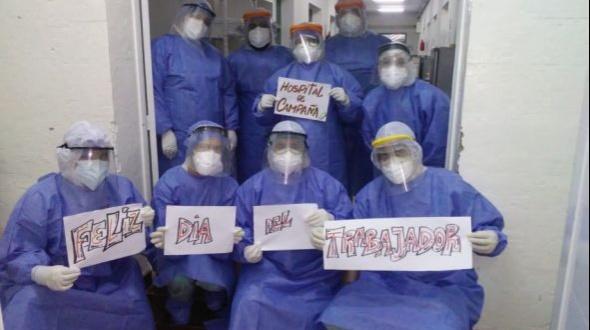 Desde el Hospital de Campaña de Corrientes, la imagen más emotiva por el Día del Trabajador