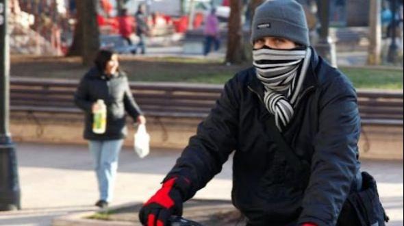 """Corrientes: intenso frío, mínimas bajo cero y """"alerta violeta"""""""