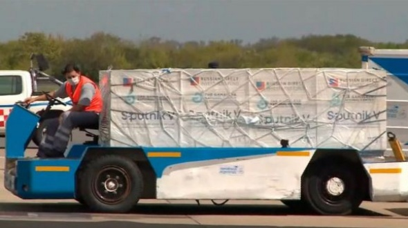 Mañana llegarán al país desde Rusia 650 mil dosis de Sputnik V