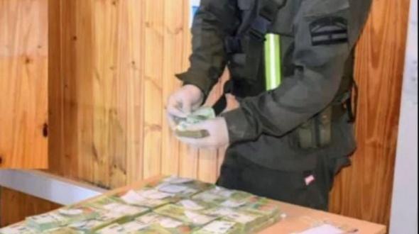 Viajaban en auto a Misiones con más de $5 millones y los frenó Gendarmería en Corrientes