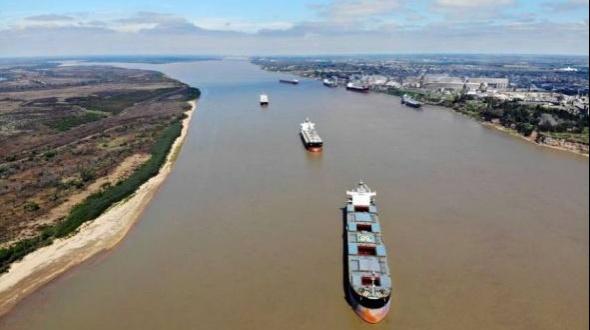 Cambia de manos el cobro del peaje de la Hidrovía: ¿por dónde se traslada el 80% de la producción argentina?